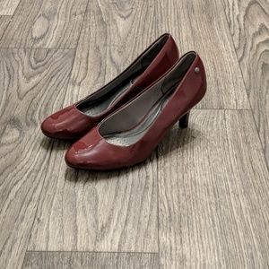 Wine red pumps
